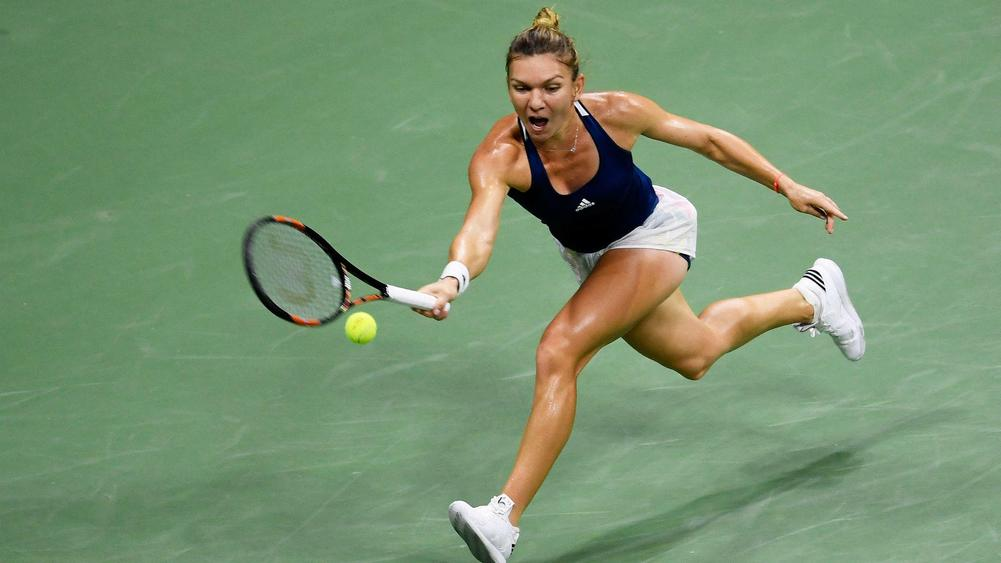 ´Bit dead´ Halep beats the heat, Petkovic bounces Bouchard