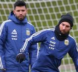 Aguero: I'll stay at Man City and Messi will remain with Barca