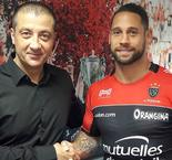 Toulon snaps up ex-All Black McAlister