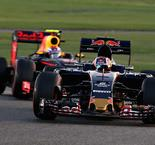 Verstappen battle could inspire Kvyat in 2017 - Tost