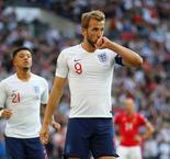 Southgate: Kane to start but not 'undroppable'