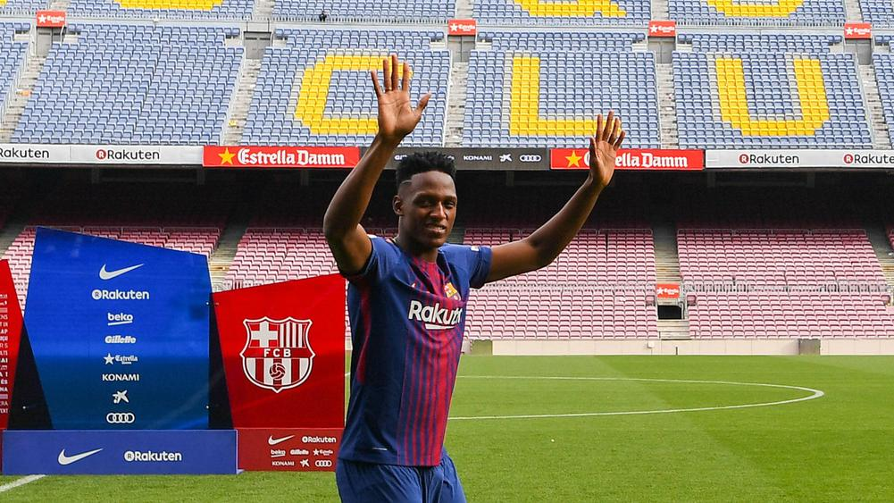 What Yerry Mina Did During Camp Nou Presentation Is Pure Class