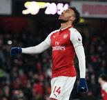 Wenger defends new recruits after City thrashing