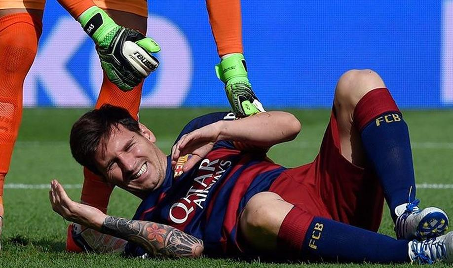 Barcelona confirm Lionel Messi to miss 7-8 weeks with knee injury