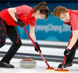 CURLING :Canada 5 China 7
