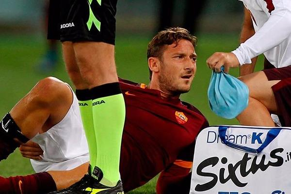 Francesco Totti and Edin Dzeko out for up to a month, confirm Roma