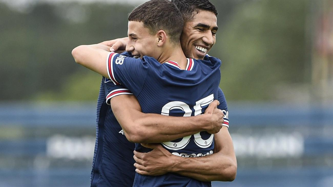 Hakimi makes PSG debut in four-goal rout