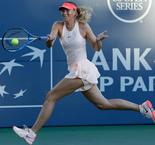 Sharapova makes winning return in Stanford