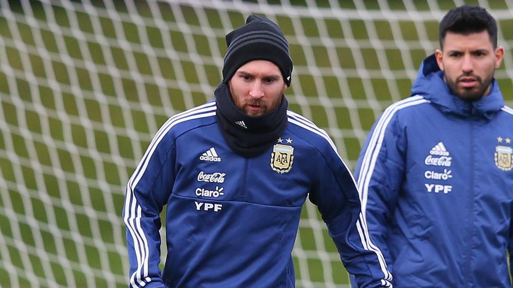 Messi joins Argentina training