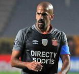 Veron helps Estudiantes past Nacional