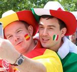 Euro 2016: Amazing atmosphere at Saint-denis before Italy-Spain