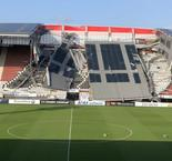 AZ's stadium roof collapses in high winds