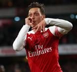 "Ozil ""Absolutely"" Wants To Stay At Arsenal"