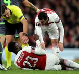 Welbeck injury sours Arsenal stalemate