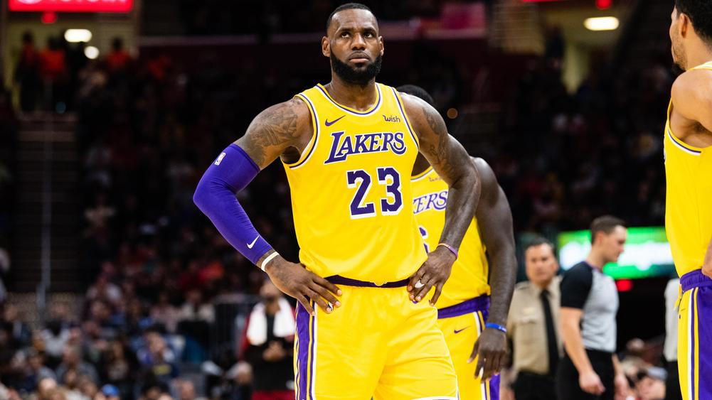 LeBron James' LA Lakers lose 108-104 to Orlando Magic