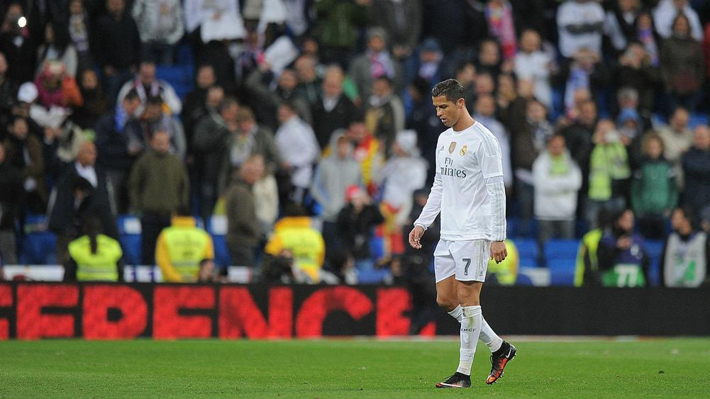 Real madrid fans jeer cristiano ronaldo following - Ka international madrid ...