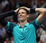 'Over the moon' and onto flower pot, Anderson into Open final