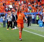 Netherlands see off Cameroon to clinch last 16 berth at World Cup