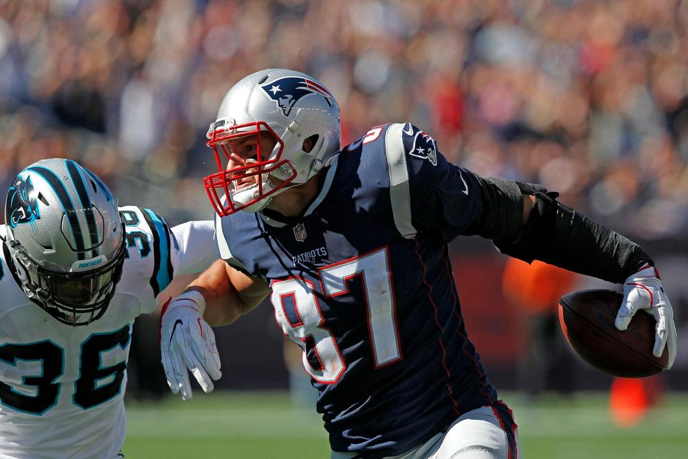 Rob Gronkowski posts 6/81/1 line as Patriots blowout Titans