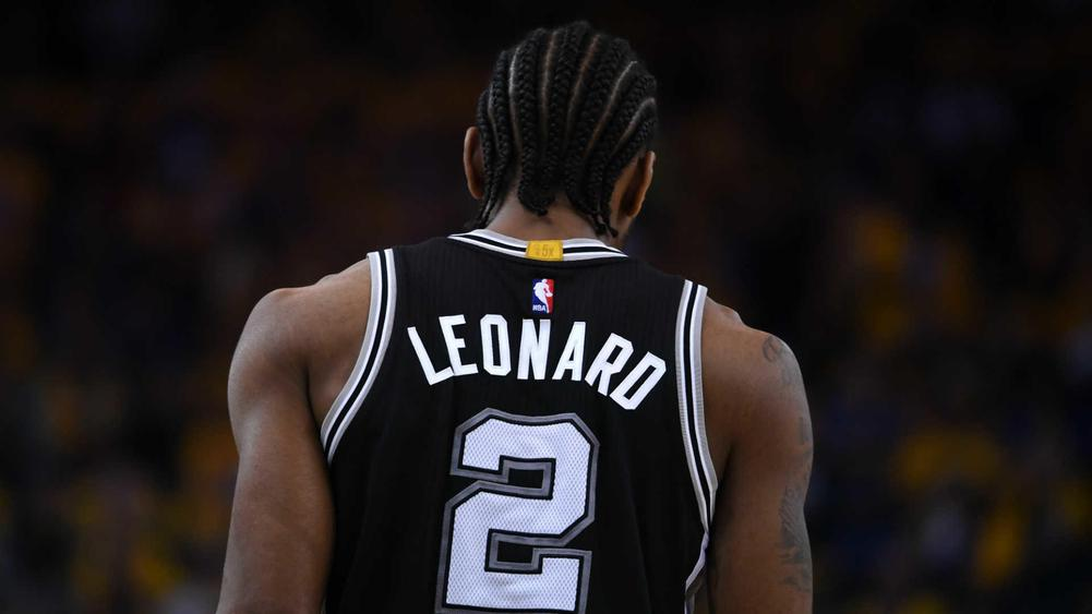 Gregg Popovich Says He'll Be Surprised if Kawhi Leonard Returns This Season
