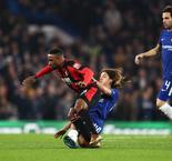 Howe suspects ankle ligament damage for Defoe