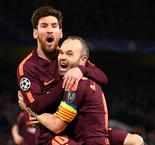 Iniesta returns for Barcelona, Giroud leads Chelsea attack