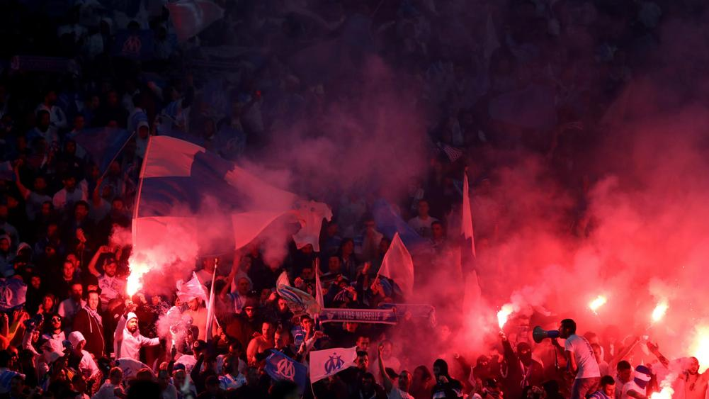 marseille fans - cropped