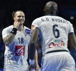 Champions France cruise past Japan