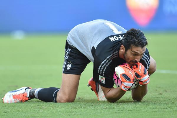 Gianluigi Buffon's Remarkable 1,000 Club and Country Games in Numbers
