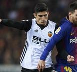 Valencia strike deal with PSG for Guedes return