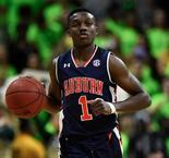 Men's College Basketball: Auburn Slips Past UAB