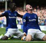 Record-breaking Rooney on target in Everton return