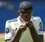 Real Madrid : Vinicius mordu en plein match !