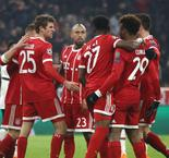 Bayern Munich 5 Besiktas 0: Two-goal Muller inspires emphatic win after Vida red
