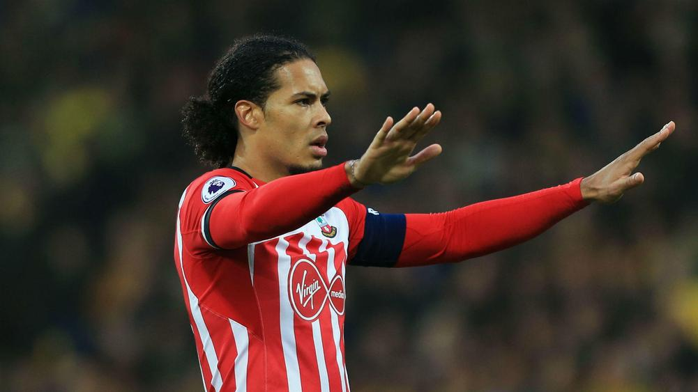 Virgil Van Dijk Trains Alone as Exit Rumours Swirl