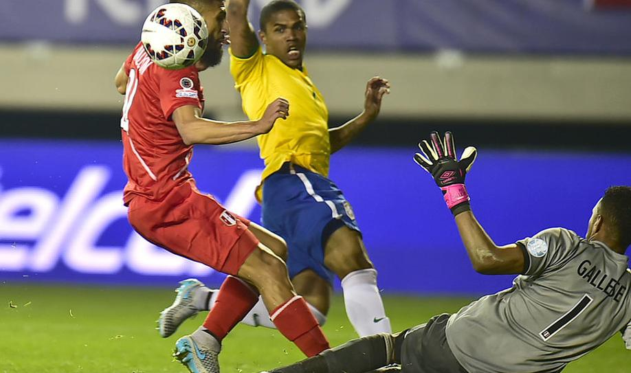 Brazil leave it late to get past Peru