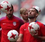 Dempsey, Howard join USA for Gold Cup playoffs