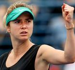 Svitolina advances, Osaka is stunned in Dubai