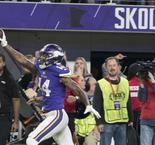 Vikings edge Saints in stunning fashion