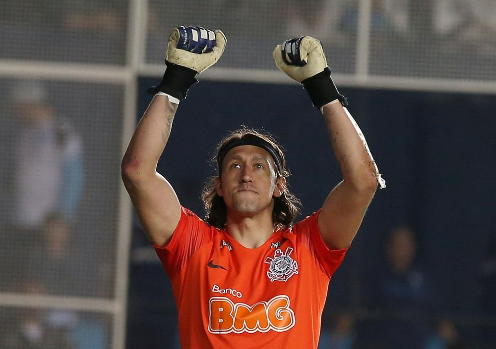 Corinthians' Cassio celebrates after winning penalty shootout against Racing Club to advance to the second stage of the Copa Sudamericana, February 27, 2019