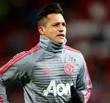 Sanchez joins United tour in LA after visa issues