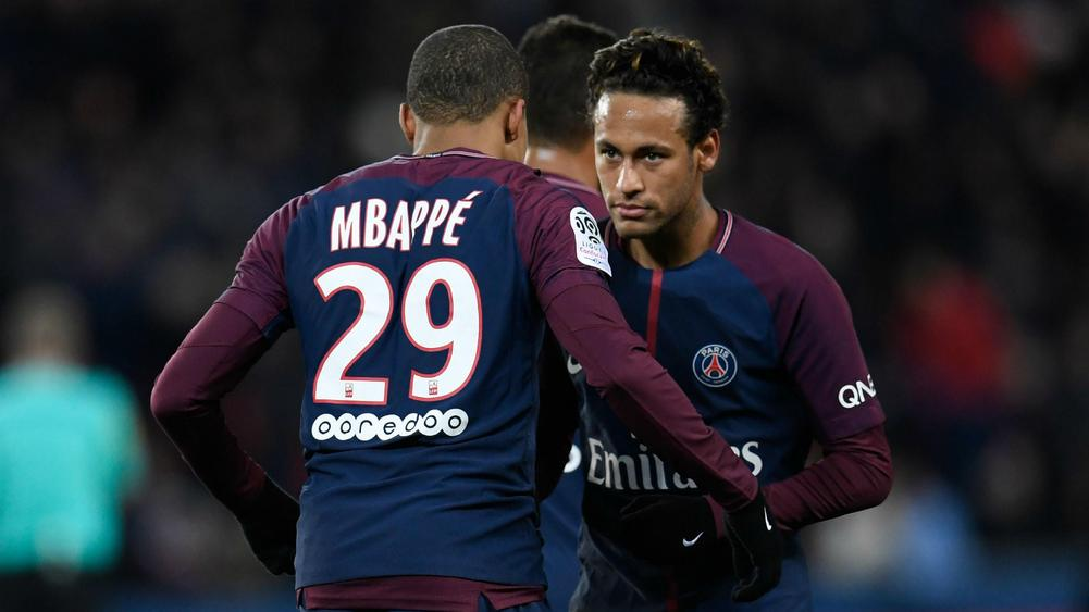 Depay's late stunner stops PSG, Monaco ease past Metz in Ligue 1
