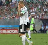 Lahm backs Germany, Low after losing start