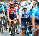 De Marchi win sees Yates cling to Vuelta lead