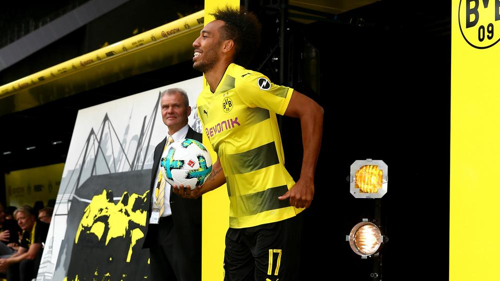 Pierre-Emerick Aubameyang: 'I am staying at Borussia Dortmund'