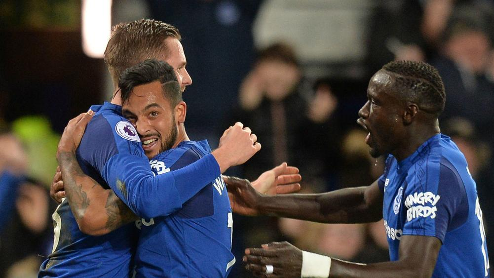 Everton 2 Leicester City 1: Walcott shines as Foxes miss ...