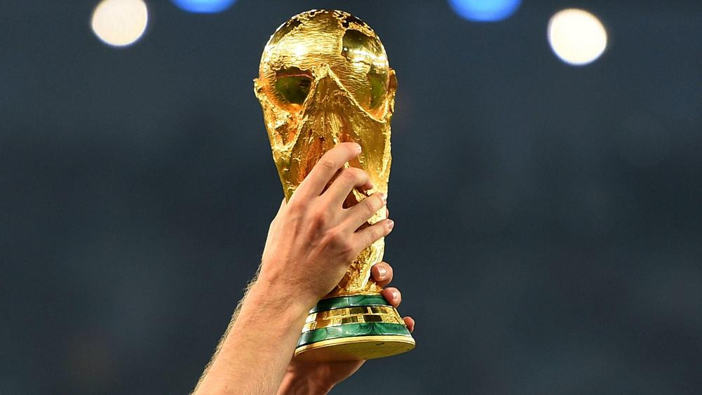 world cup trophy-cropped