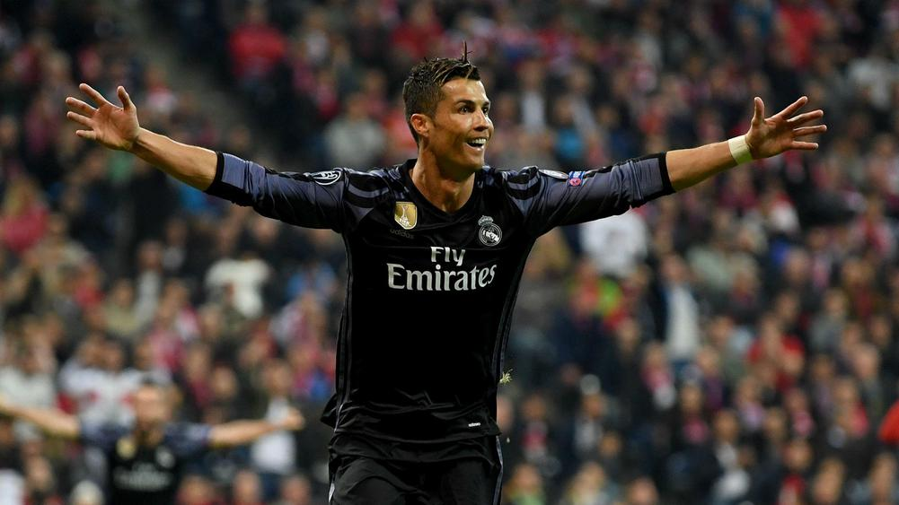 Ronaldo gets to landmark as Madrid win 2-1