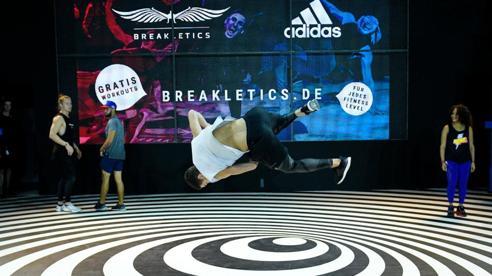 Breakdancing - cropped