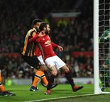 Manchester United 2-0 Hull City: Mata And Fellaini On The Board As Rooney's Record Waits